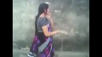 Boobs being squezed - Indian hot aunty in saree outdoor suck and boob press