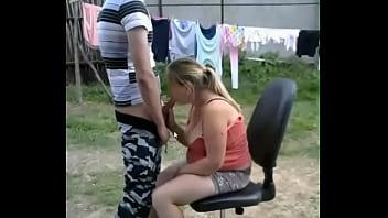 Im Garten Teen Amateur Blowjob - MORE VIDEOS: amateur-porn-club.com