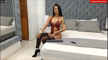 MollyA- Model very sensual dancing in her room