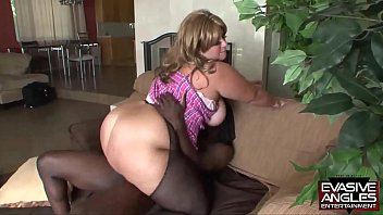 EVASIVE ANGLES House of love BBW - She is  hungry