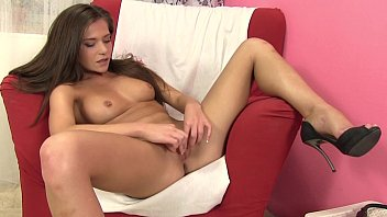 Teen pussy labias stimulated with toys