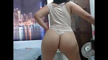 Latina slut shows off phat ass on webcam
