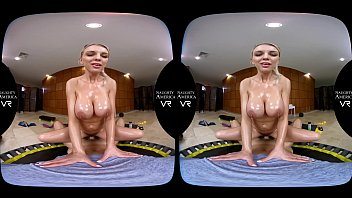 Kenzie Taylor bounces her big tits in your face - NEW Naughty America VR!