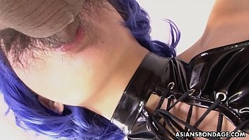 Babe with blue hair, Mei Mitsurugi is sucking two cocks