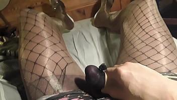 striking floosy is masturbating just for fun