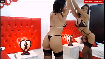 AmmelieLovee- on lingerie black very sexy for you