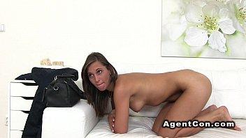Teen gets huge jizz on her back in casting pov