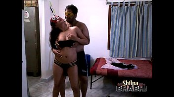 shilpa bhabhi sexy indian babe dancing in bikini with husband porn image