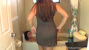 Pics of mother daughter nude shower Madisin lee melanie hicks in mom washes daughters hair. girl on girl hair wash