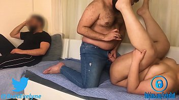 WIFE PAYING RENT WHILE HUSBAND WATCHING ! http://bit.ly/evebutt صورة