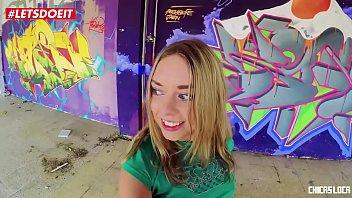 LETSDOEIT - Rubia rusa adolescente toma una gran polla al aire libre (Daniella Margot)