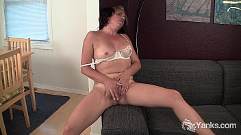 Gorgeous Natalya pleasing her Trimmed Quim