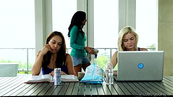 College Sara Luvv and Chloe Amour Toying Each Other