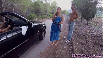 Jenny Glam fucked on a public road and sucks a big fat cock 6分钟