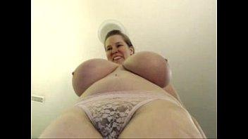 Bbw live cam live Bbw bounces her massive tits live chestycams.com