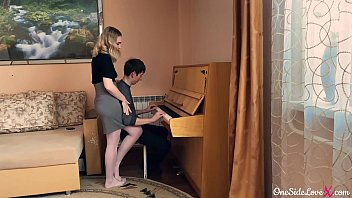 Streaming Video Instructor on the Piano Deep Sucking Dick Student and Fucking - XLXX.video