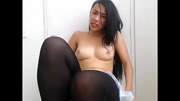 Beautiful sitting on chair rubbing pussy live show