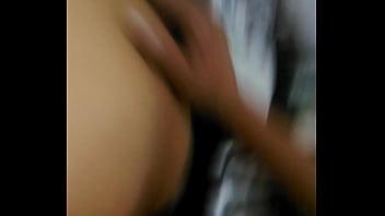 Cachando chibola en el baño de mi trabajo