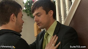 Chicago gay news - Naughty married male gives head to a gay