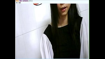 Little girl masturbating on webcam - myxcamgirl.com