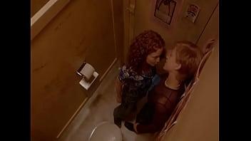مثلية الجنس في النادي مرحاض