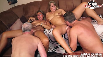 Deutsche Reife Ehefrauen machen private Swinger Party