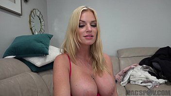 Hot Mom Distracts Son From Fortnite With Her Pussy thumbnail