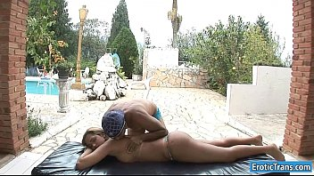 Sexy tranny Natalia Ruiz analed outdoors
