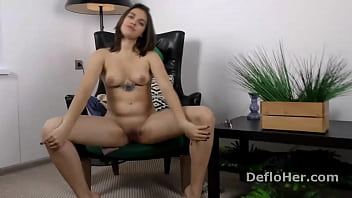 Cute virgin Roza Esposito strips naked on audition