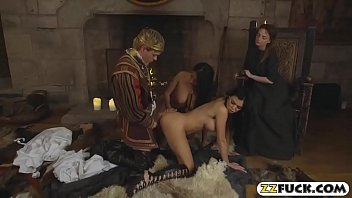 Slutty servants served their majesty with twat and anal