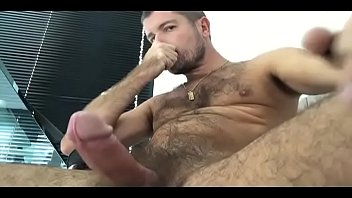 B gay raz - Tiery b. oliendose a si mismo