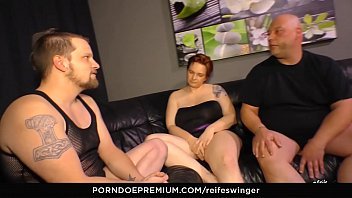 REIFE SWINGER - Gonzo MMF threeway with naughty european 3-some