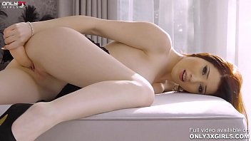 Stunning brunette Mia Evans one on one with her dildo