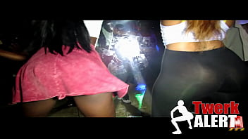 Upskirt at night club Twerk alert 1 - twerking ass in da club