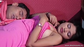 desimasala.co - Tharki Pandit Romance with Girl