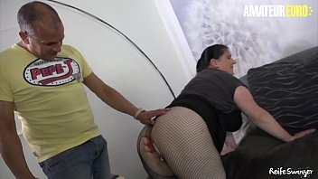 REIFE SWINGER - German Amateur Wife Tries Anal With Her Man On Cam