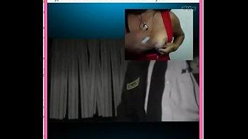 celador y vecina del barrio se masturban por skype