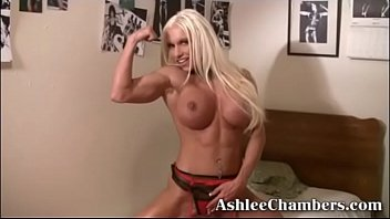 Ashlee Chambers Fucks herself.