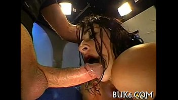 Clip free pissing - Males pissing wildly on sweetheart