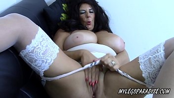 Busty Cougar Lulu Lush masturbate in sexy lingerie