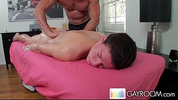 Sweet gay bos Gayroom boy seduced