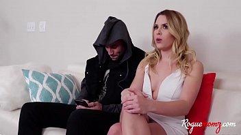 MOM helps SON fuck his GIRLFRIEND- Aubrey Sinclair,Sarah Vandella
