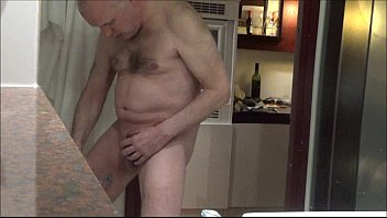 Ulf Larsen flash, shave, wank & watch porn while on cam