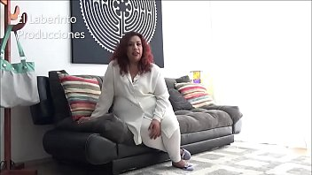 In the 5th Casting of El Laberinto Producciones a mature woman of 39 years old super nalgona and busty super natural Mexican 100% Enjoying her casting