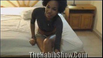 Hot midget lesbians Dominican bpumper fucks lil midget