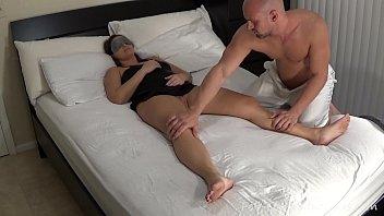 Fucking Blindfolded Milf Stepmom Madisin Lee