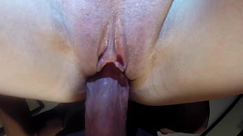Amateur Deep Penetration and Double Female Ejaculation