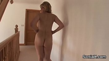 Adulterous uk mature lady sonia exposes her big breasts