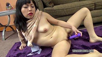 Japanese slut Yuka Ozaki make her wet pussy cum hard