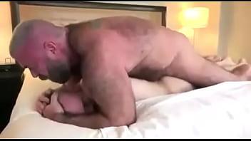 Chubby daddy bears Tiozao delicioso meteu bem gostoso, confesso que queria muito fazer assim